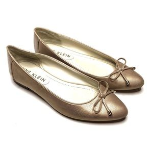 Anne Klein Odonete Gold Leather Flats Size 7.5